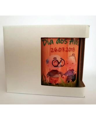 Caixa branca em cartão COM janela para canecas. 115 x 90 x 100 mm